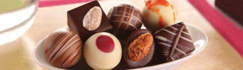 Frische Pralinen und Schokoladen